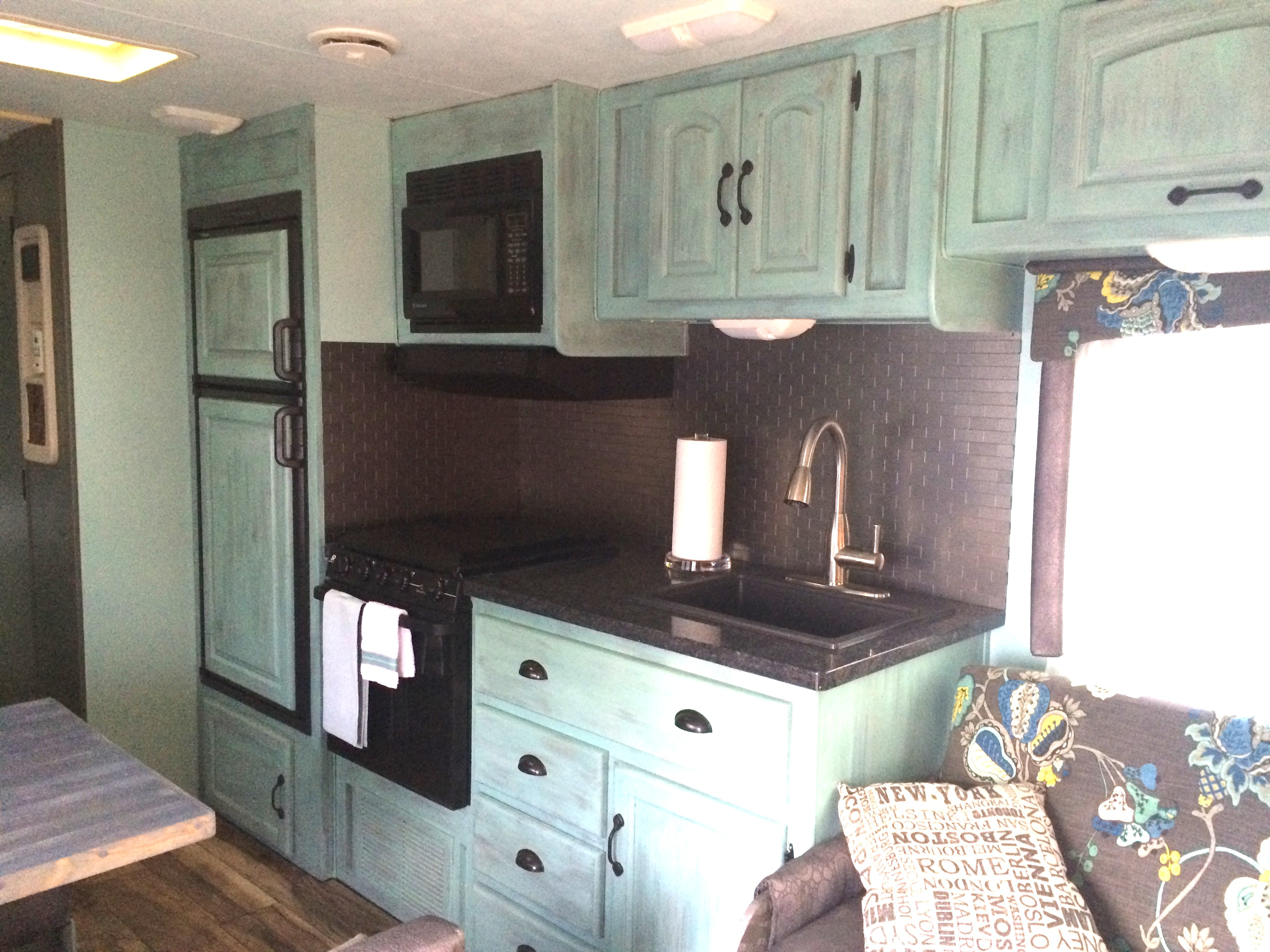 Creative Travel Trailer Remodel 1985 Fleetwood Resort DoityourselfRVcom